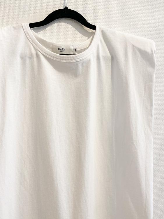 THE FRANKIE SHOP Eva Muscle T-Shirt (M)