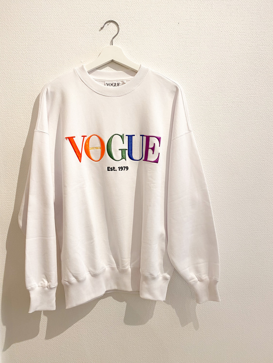 VOGUE Collection Logo Sweatshirt (L)