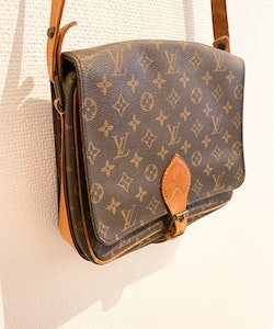 LOUIS VUITTON Cartouchiere GM Vintage Crossbody