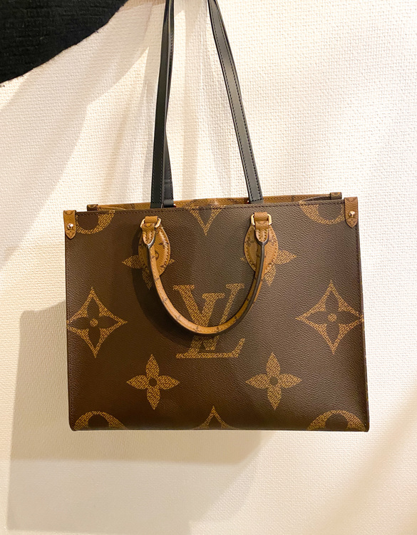 LOUIS VUITTON On The Go MM