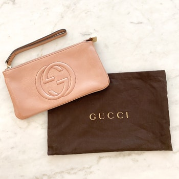 GUCCI GG Pouch Patent Leather Rose