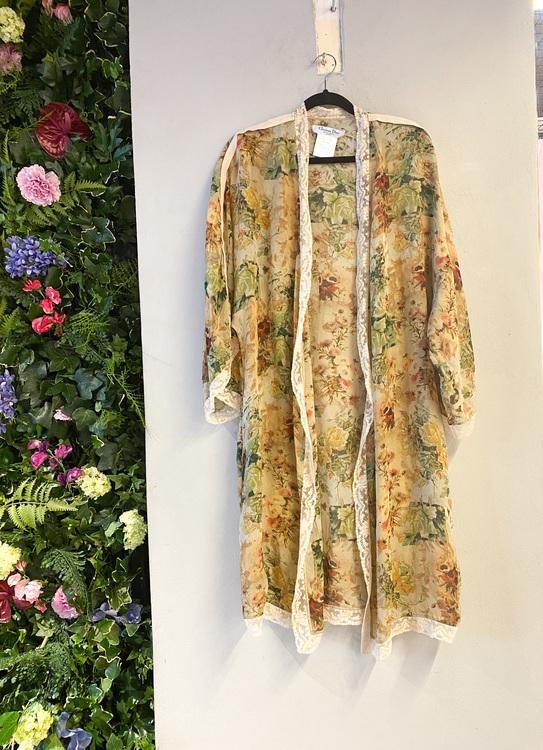 CHRISTIAN DIOR Boutique Kimono (38)