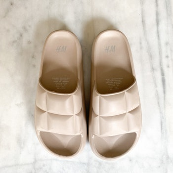 HM Slippers (41/42)