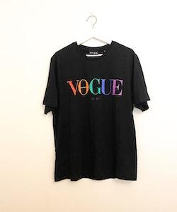 VOGUE T-Shirt Black (XL)