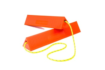 Mark 5 twin widebody chock whith rope