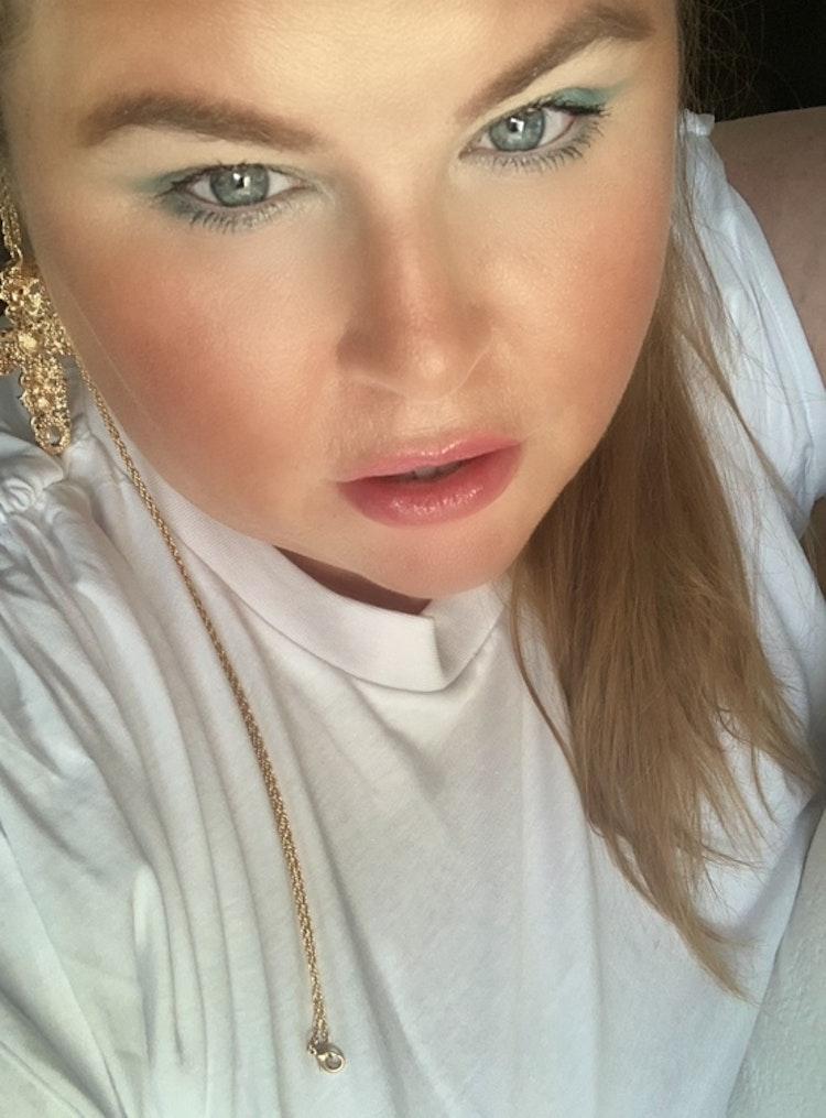 All Eyez On Me Eyeshadow - Perfect White