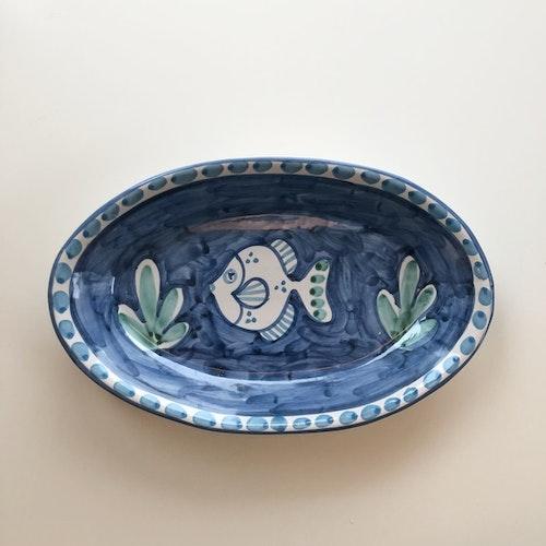Uppläggningsfat, blå med fiskmönster, 26 cm