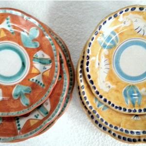 Tallriksset 6 delar i 2 färger -  assiett, djup tallrik, mattallrik, orange och gul