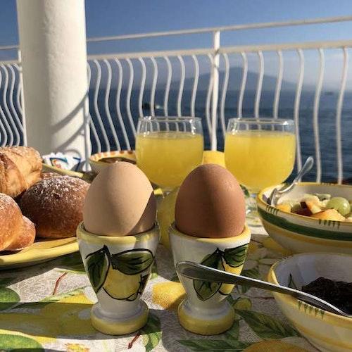 Äggkopp med citronmönster, säljs i set om 2 st