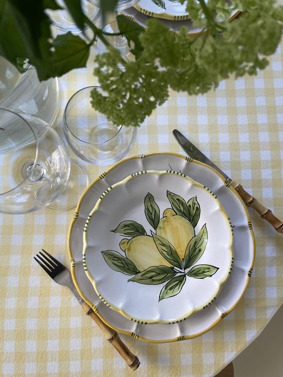 Assiett med citronmönster, 21 cm
