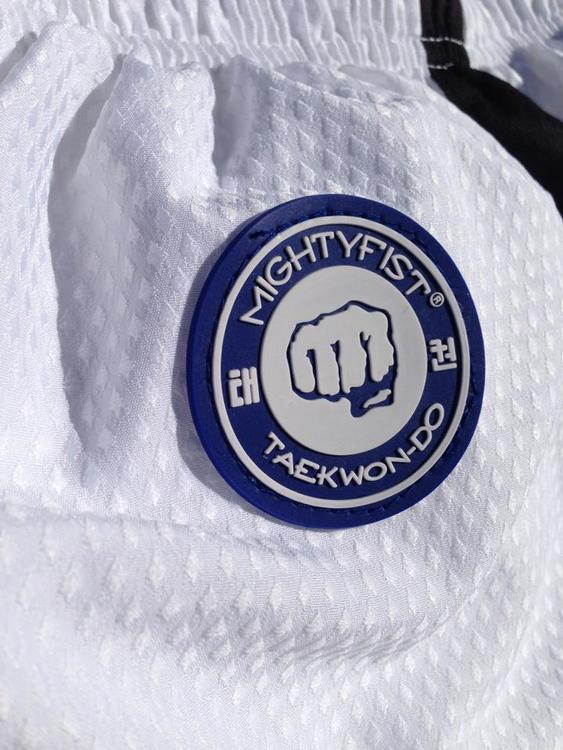 MIGHTY FIST: ITF TAEKWON-DO DRÄKT MATRIX FÄRGBÄLTE