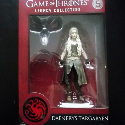GAME OF THRONES Daenerys Targaryen Legacy Collection Figure