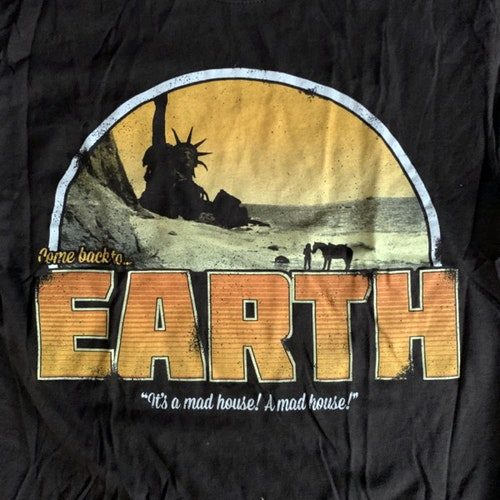PLANET OF THE APES Earth (M) (USED) T-SHIRT