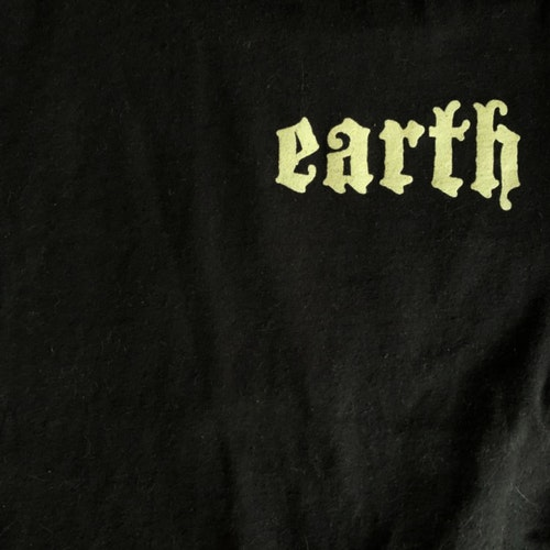 EARTH Primitive and Deadly (S) (USED) T-SHIRT