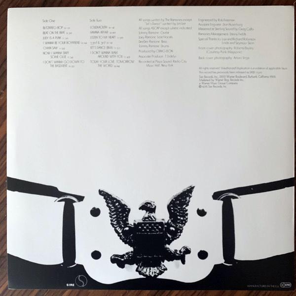 RAMONES Ramones (Sire - Europe 2011 reissue) (EX/NM) LP