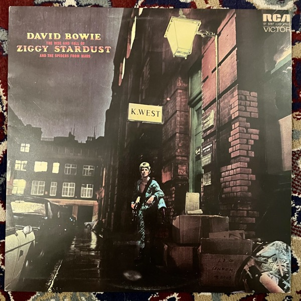 DAVID BOWIE The Rise And Fall Of Ziggy Stardust And The Spiders From Mars (RCA - UK early repress) (VG+) LP