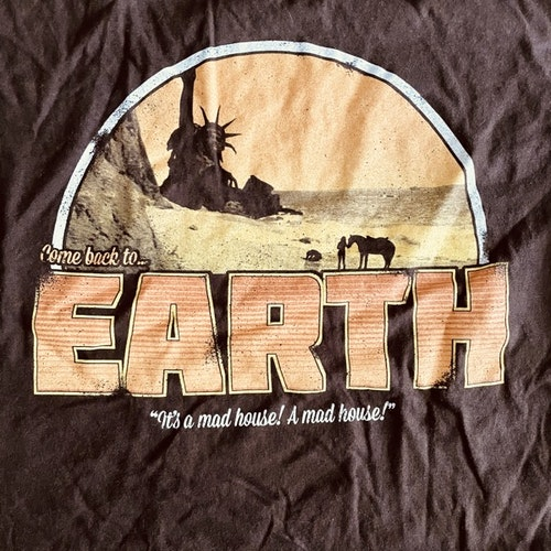 PLANET OF THE APES Earth (L) (USED) T-SHIRT