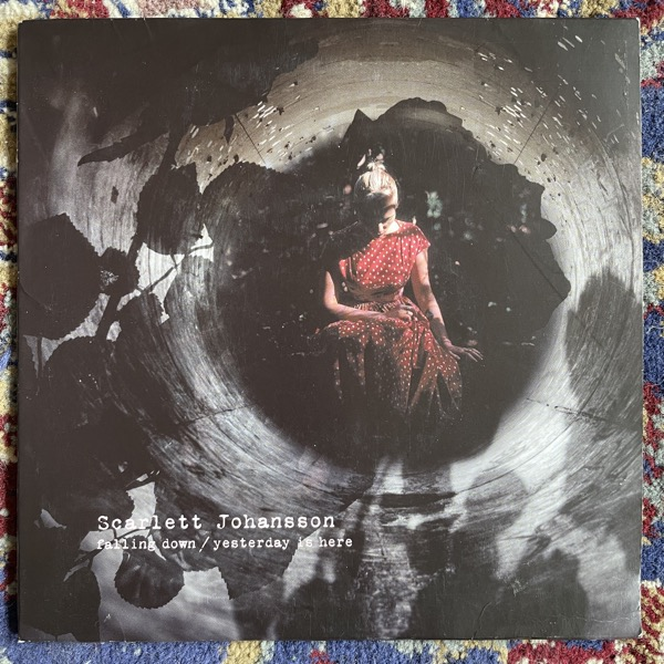 "SCARLETT JOHANSSON Falling Down / Yesterday Is Here (ATCO - UK original) (VG+) 7"""