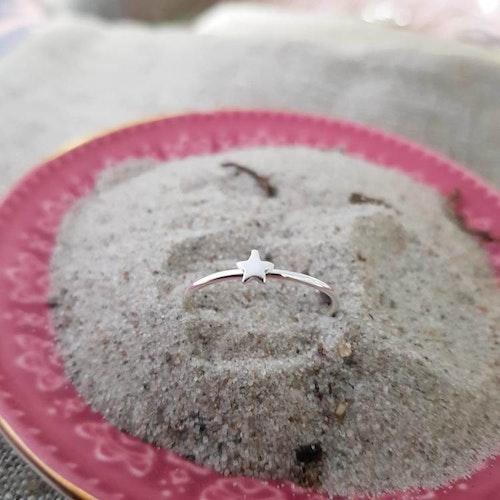 Silverring med stjärna