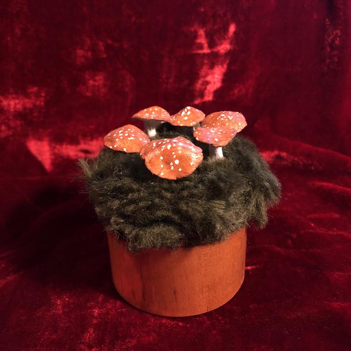 Mushroom Ring Box