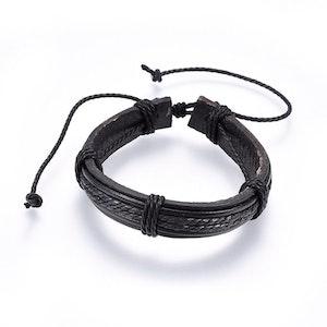 Brett Justerbart läder armband  svart