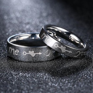 "Ring ingraverad "" Me and You """