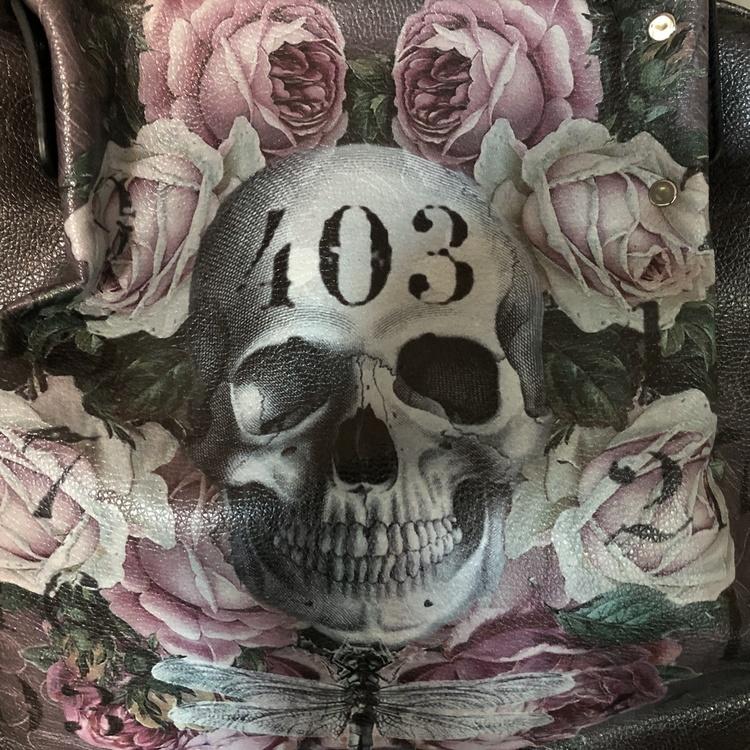 Skull handbag