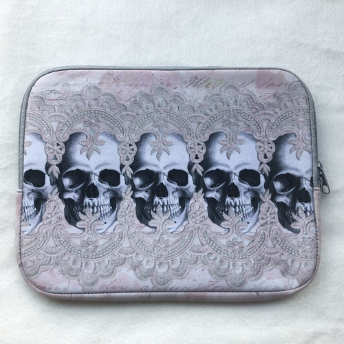 iPad fodral, lacy skull row