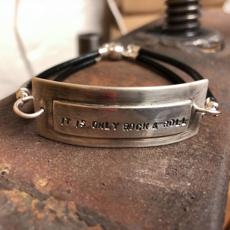 Armband med valfri text