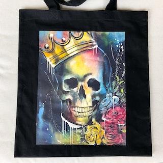 King of Skulls, tygkasse