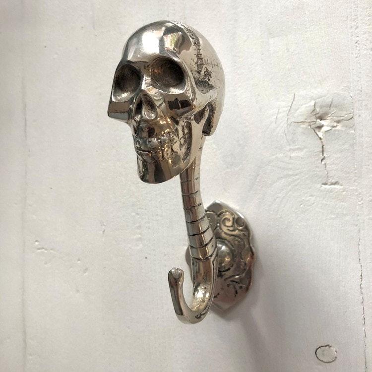 Väggkrok silverfärgad - skull