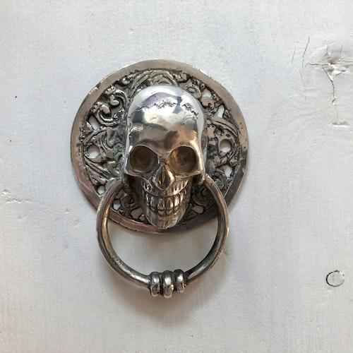 Dörrknackare silverfärgad - skull liten