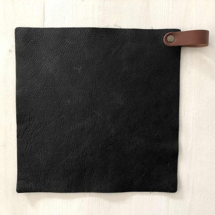 Grytlapp i buffelskinn 2-p, svart