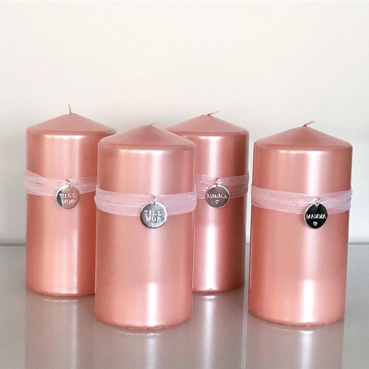 Metalliclackat rosa ljus inkl ljussmycke i silver