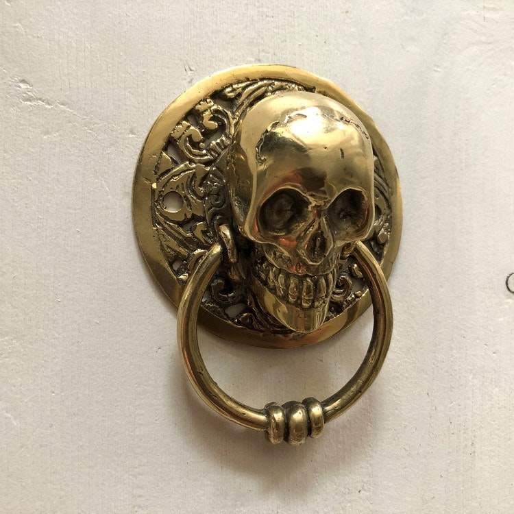 Dörrknackare guldfärgad - skull liten