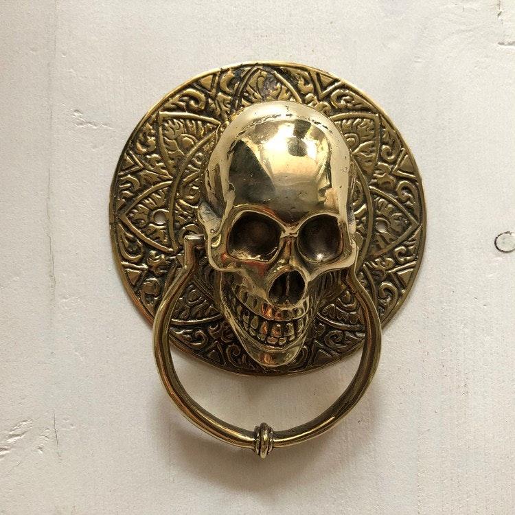 Dörrknackare guldfärgad rund- skull