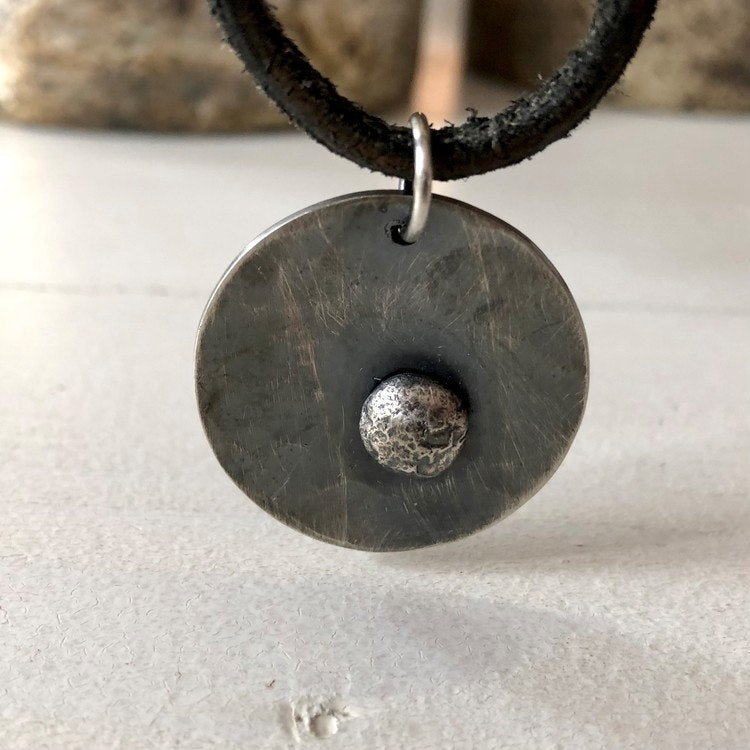 Spaceship halssmycke, oxiderat silver