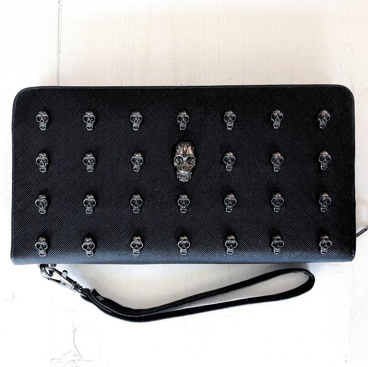 Plånbok med dödskalledekorationer