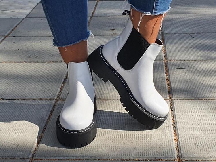 Rosa Negra Elastic Boot