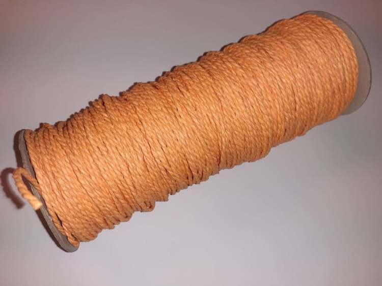Papperssnöre, 1,8mm x 1 meter, ljus orange