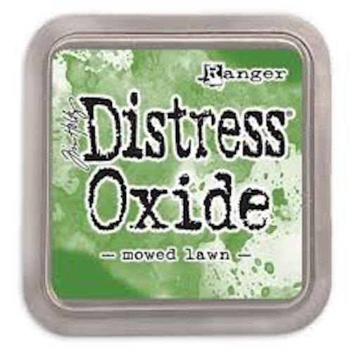 Distress oxide dyna, Mowed lawn