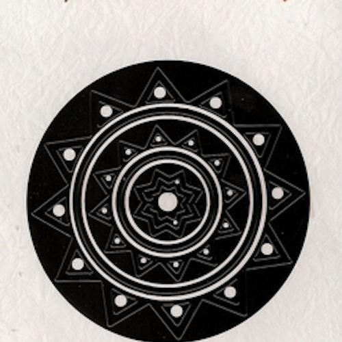 Nellie Snellen Dies  - circle mfd016