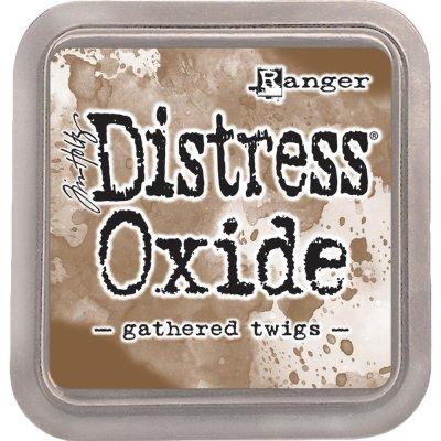 Distress oxide dyna, gathered twigs