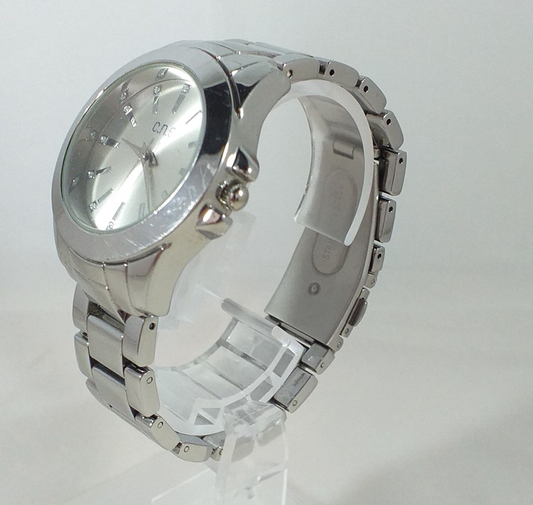 Armbandsklocka från One med stållänk