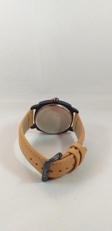 Herrklocka från Curren med mocka armband