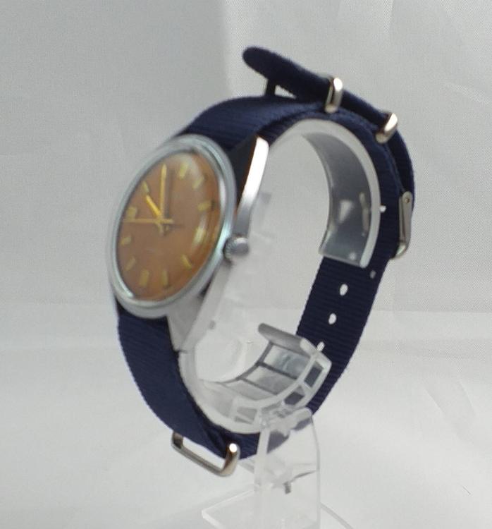 Vostok 18 Jewels - Mekaniskt urverk - Marinblått Nato-armband