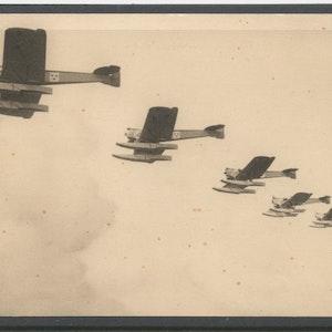 Flygdivison i flankformering