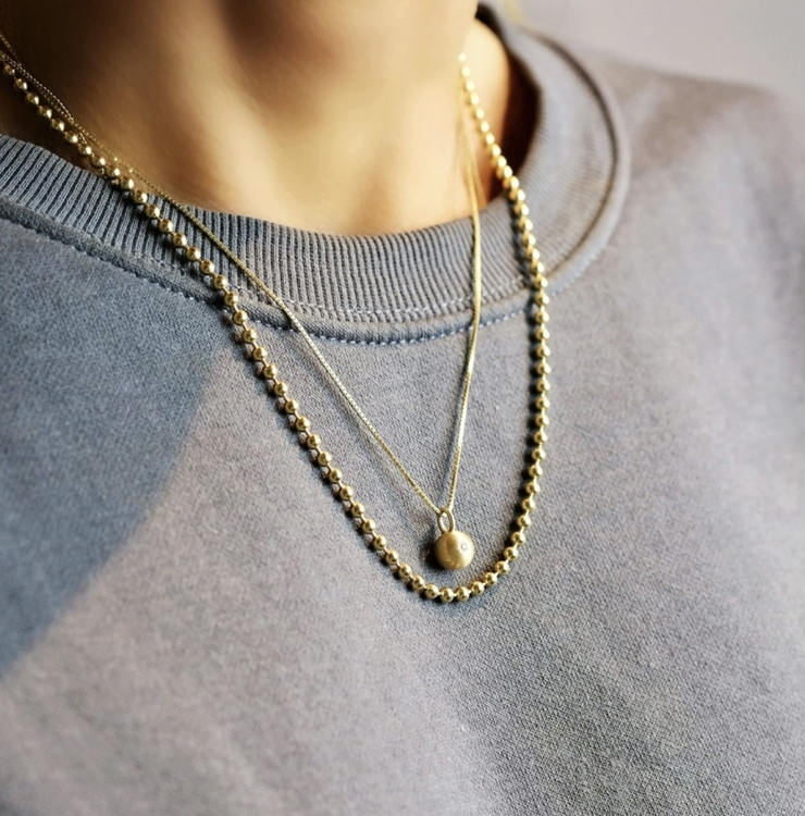 Sparkling Globe Necklace Gold