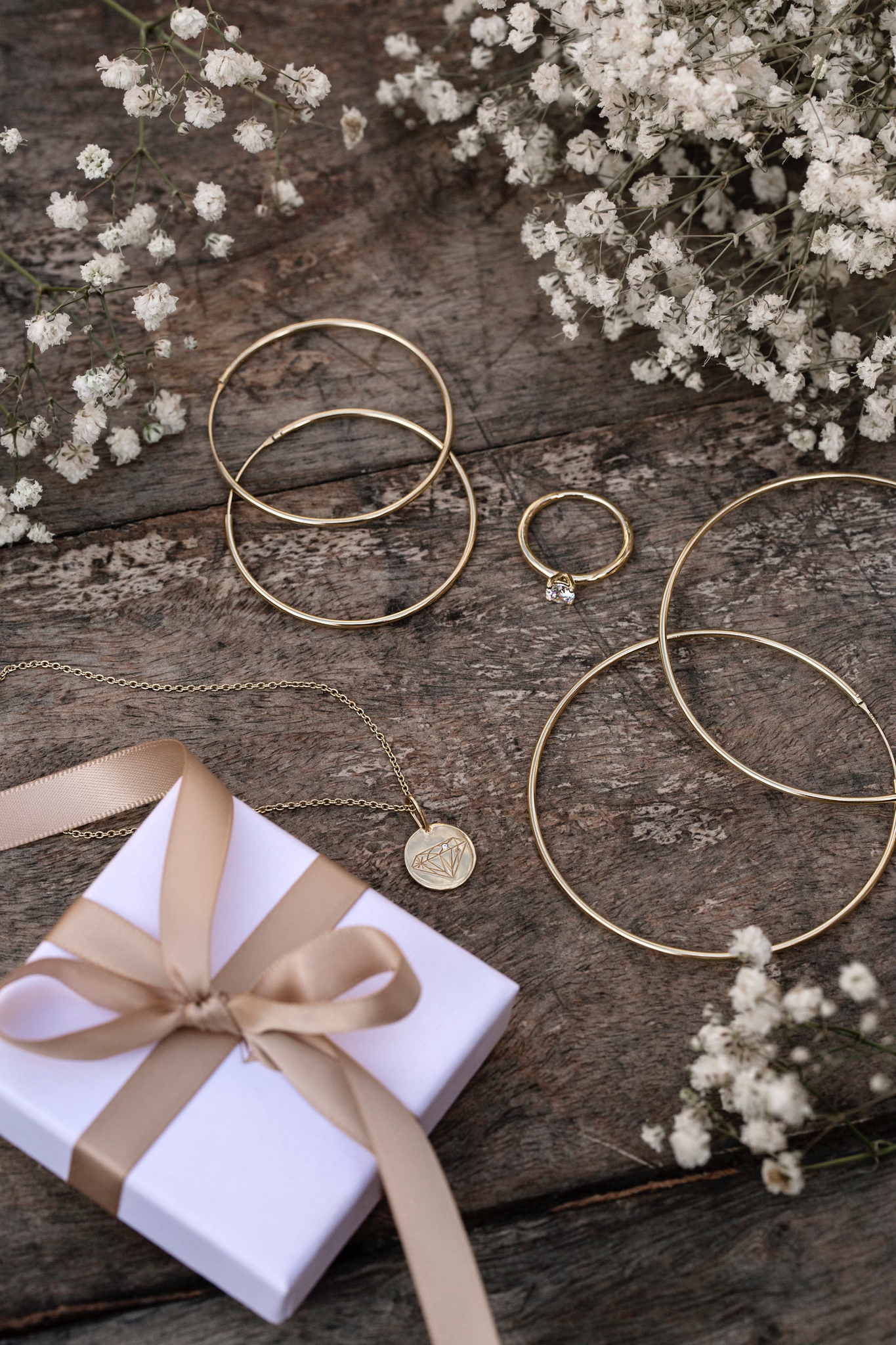 Antoinette Earrings 45 Gold