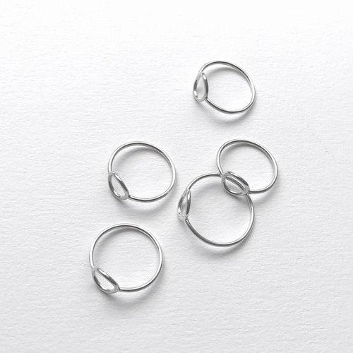 Tiny circle ring • Tunn silverring med cirkel